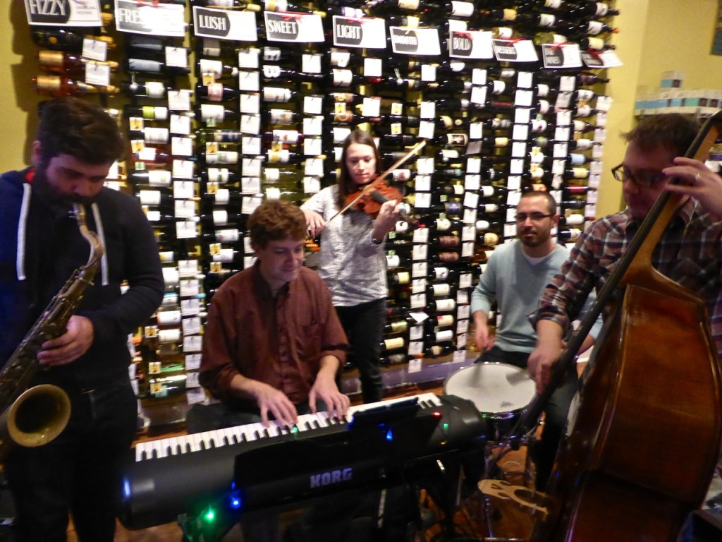 picture of musicians at Cheesetique